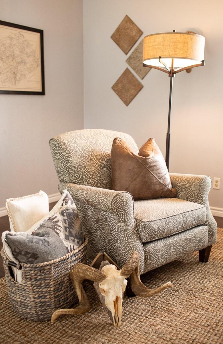 living-room-tour-dallas-lifestyle-photographer-kaitlyn-bullard-8.jpg
