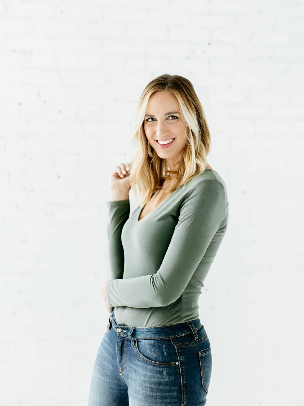 Alexa-Vossler-Photo_Dallas-Headshot-Photographer_Headshots-at-The-Lumen-Room_Kaitlyn-19.jpg