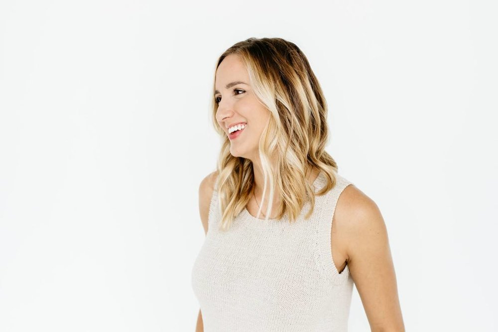 Alexa-Vossler-Photo_Dallas-Headshot-Photographer_Headshots-at-The-Lumen-Room_Kaitlyn-2.jpg