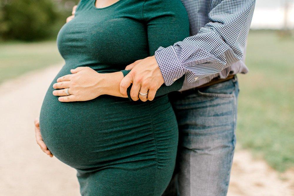 wilson-dallas-family-maternity-session-fall-maternity-session-dallas-maternity-photographer-9.jpg