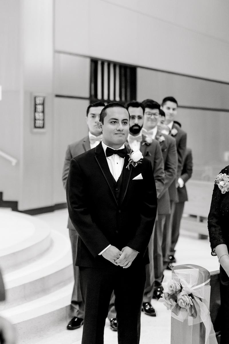 nylo-las-colinas-wedding-bety-luis-dallas-wedding-photographer-kaitlyn-bullard-34.jpg