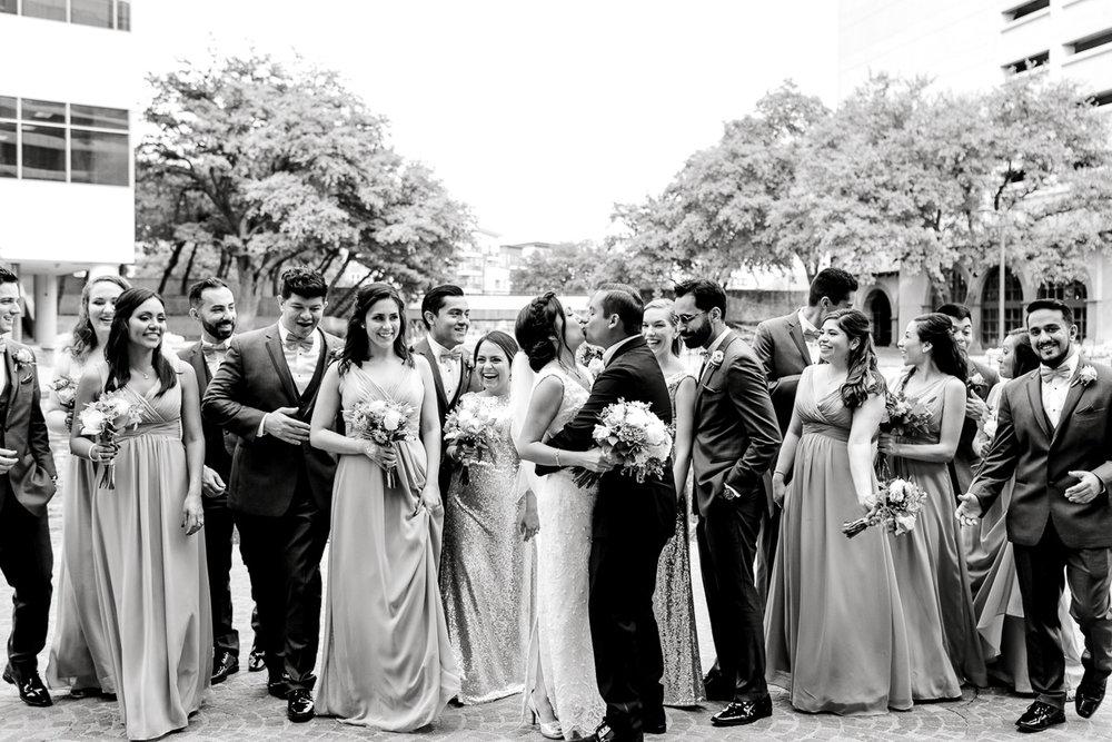 nylo-las-colinas-wedding-bety-luis-dallas-wedding-photographer-kaitlyn-bullard-48.jpg