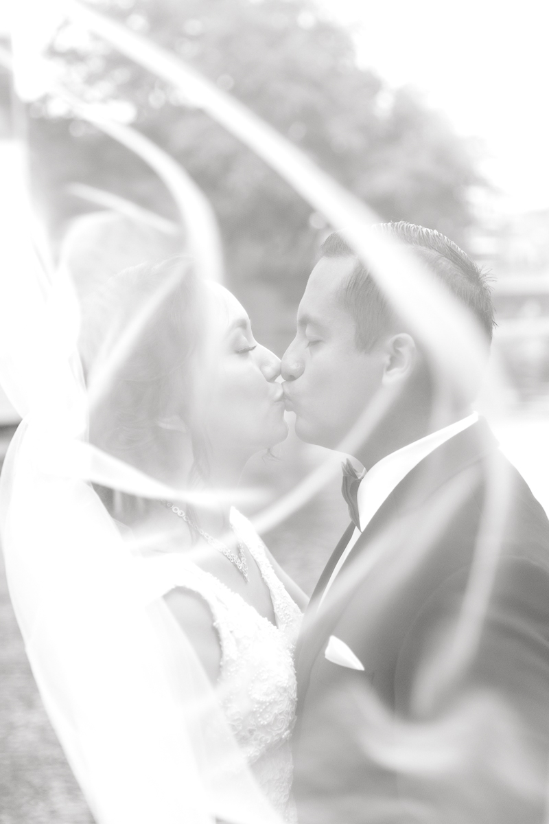 nylo-las-colinas-wedding-bety-luis-dallas-wedding-photographer-kaitlyn-bullard-55.jpg