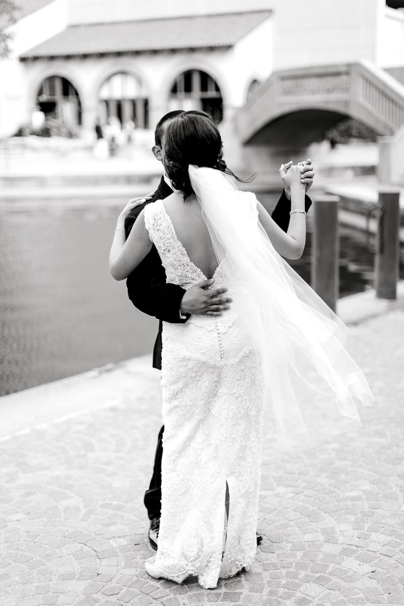 nylo-las-colinas-wedding-bety-luis-dallas-wedding-photographer-kaitlyn-bullard-57.jpg
