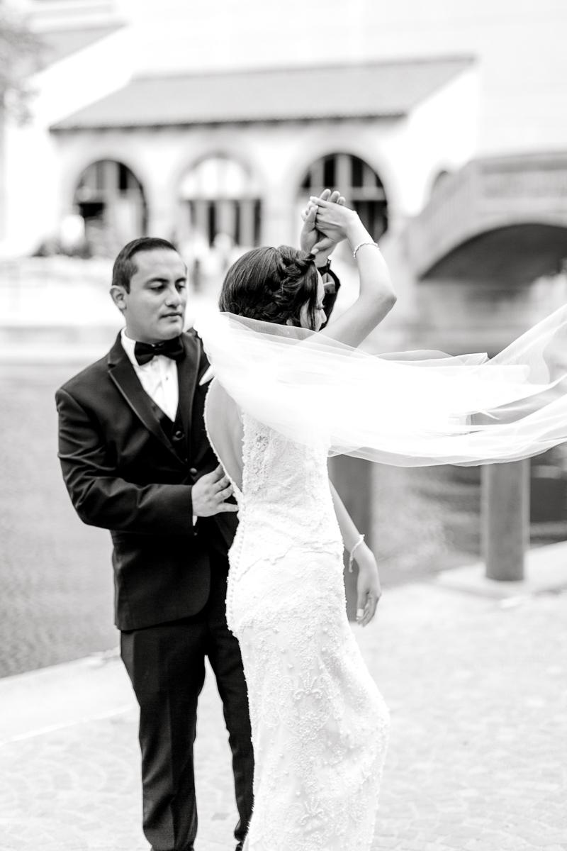 nylo-las-colinas-wedding-bety-luis-dallas-wedding-photographer-kaitlyn-bullard-58.jpg