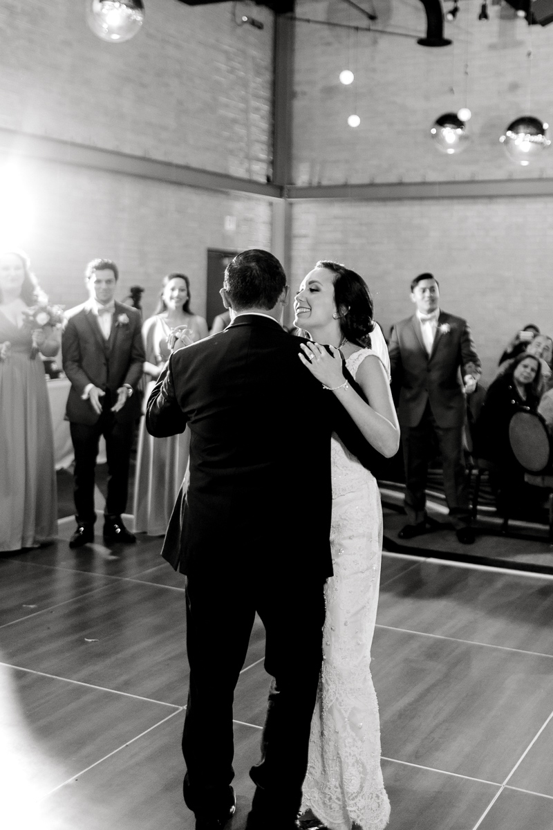 nylo-las-colinas-wedding-bety-luis-dallas-wedding-photographer-kaitlyn-bullard-72.jpg