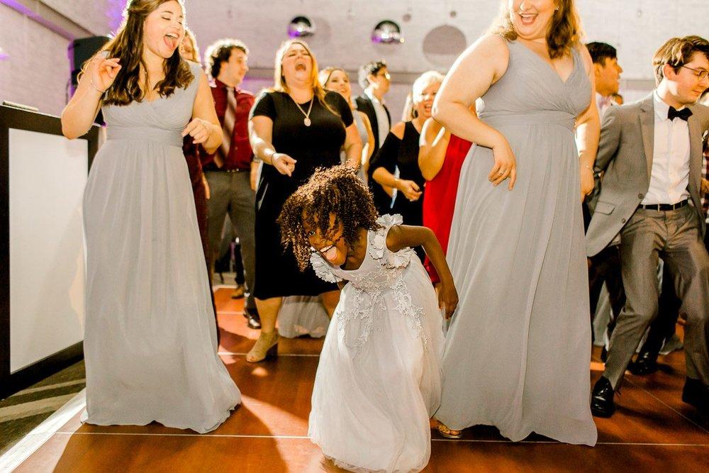 nylo-las-colinas-wedding-bety-luis-dallas-wedding-photographer-kaitlyn-bullard-86.jpg