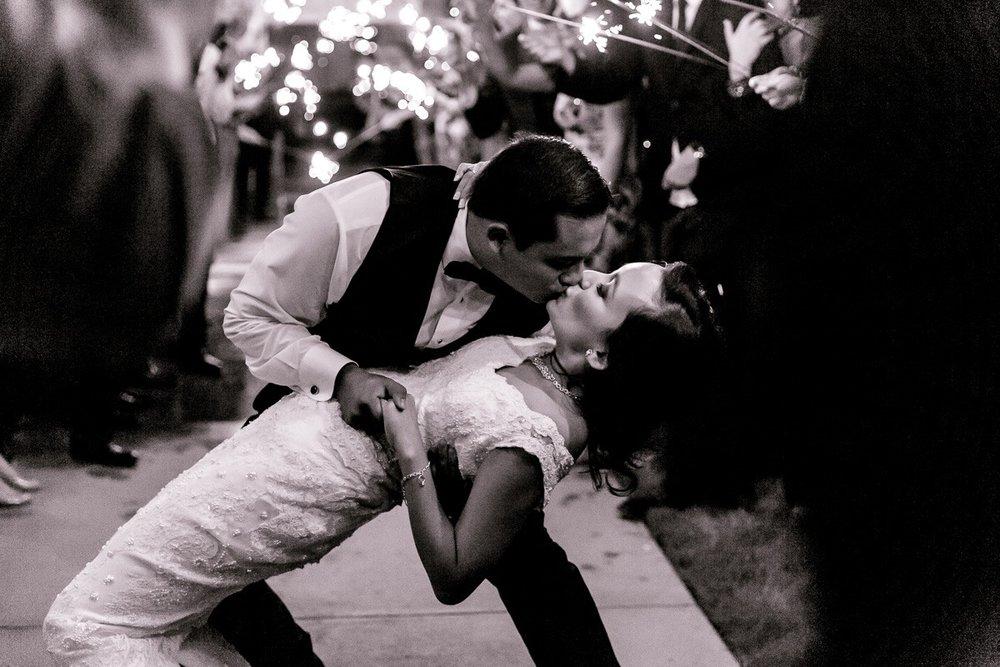 nylo-las-colinas-wedding-bety-luis-dallas-wedding-photographer-kaitlyn-bullard-90.jpg