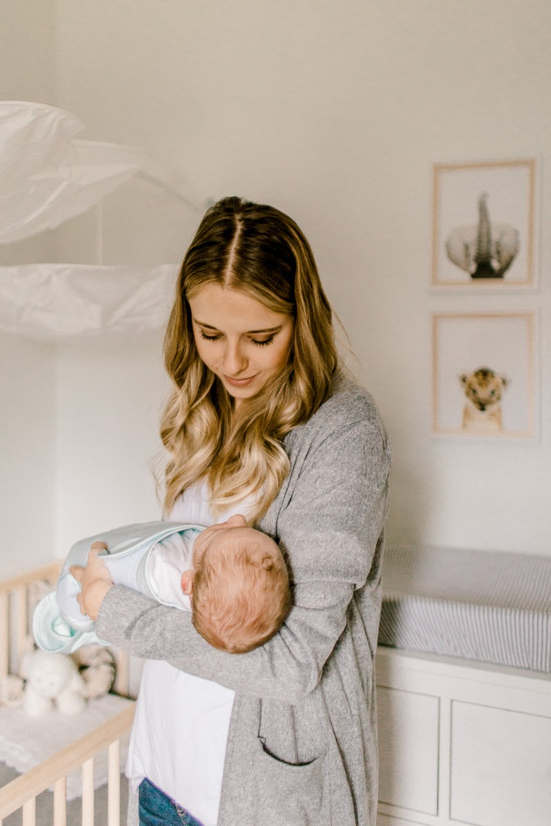 riplee-lifestyle-newborn-plano-newborn-photographer-5.jpg