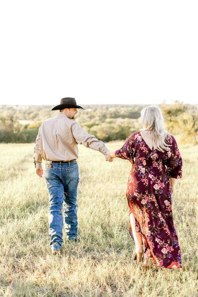 rural-engagement-photos-weatherford-texas-wedding-photographer-kaitlyn-bullard-9.jpg