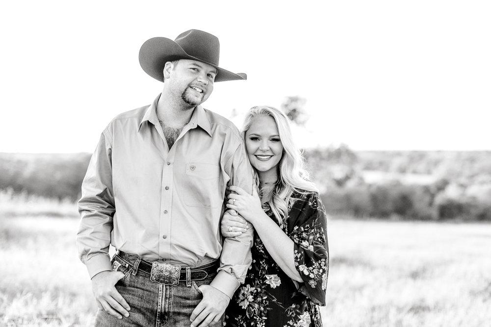 rural-engagement-photos-weatherford-texas-wedding-photographer-kaitlyn-bullard-19.jpg