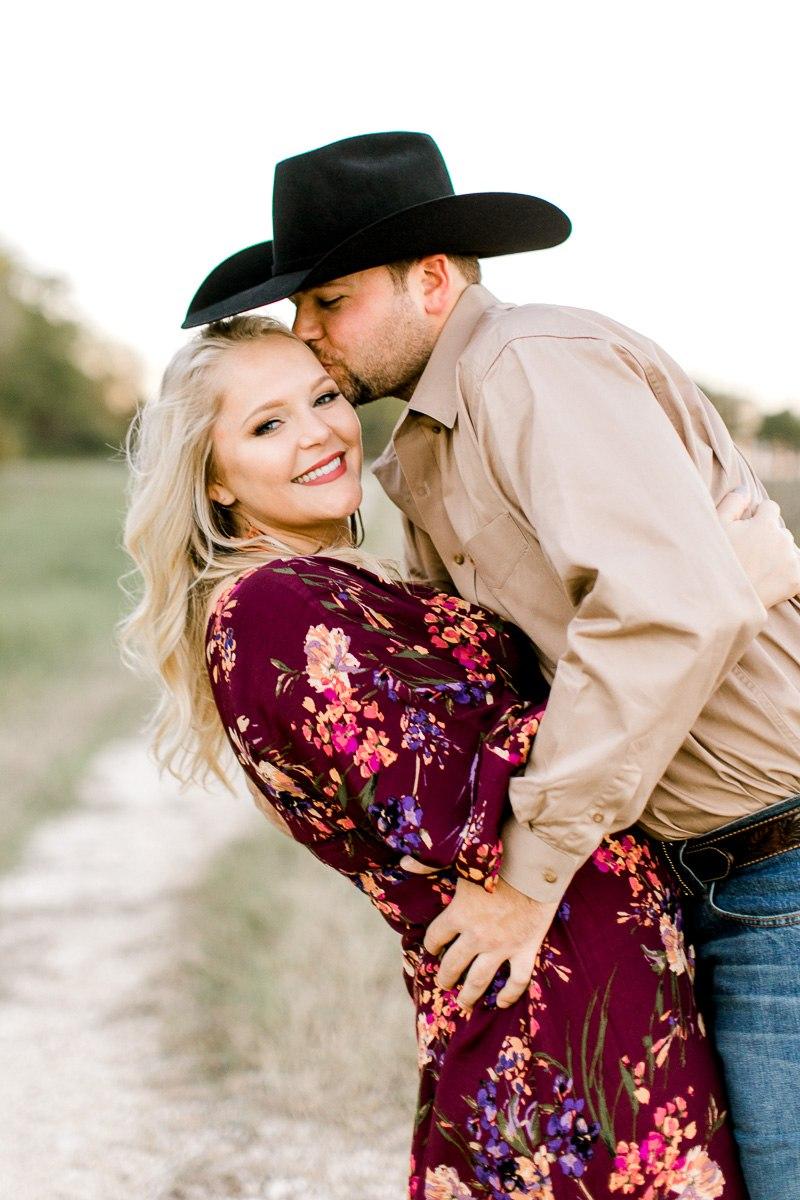 rural-engagement-photos-weatherford-texas-wedding-photographer-kaitlyn-bullard-25.jpg