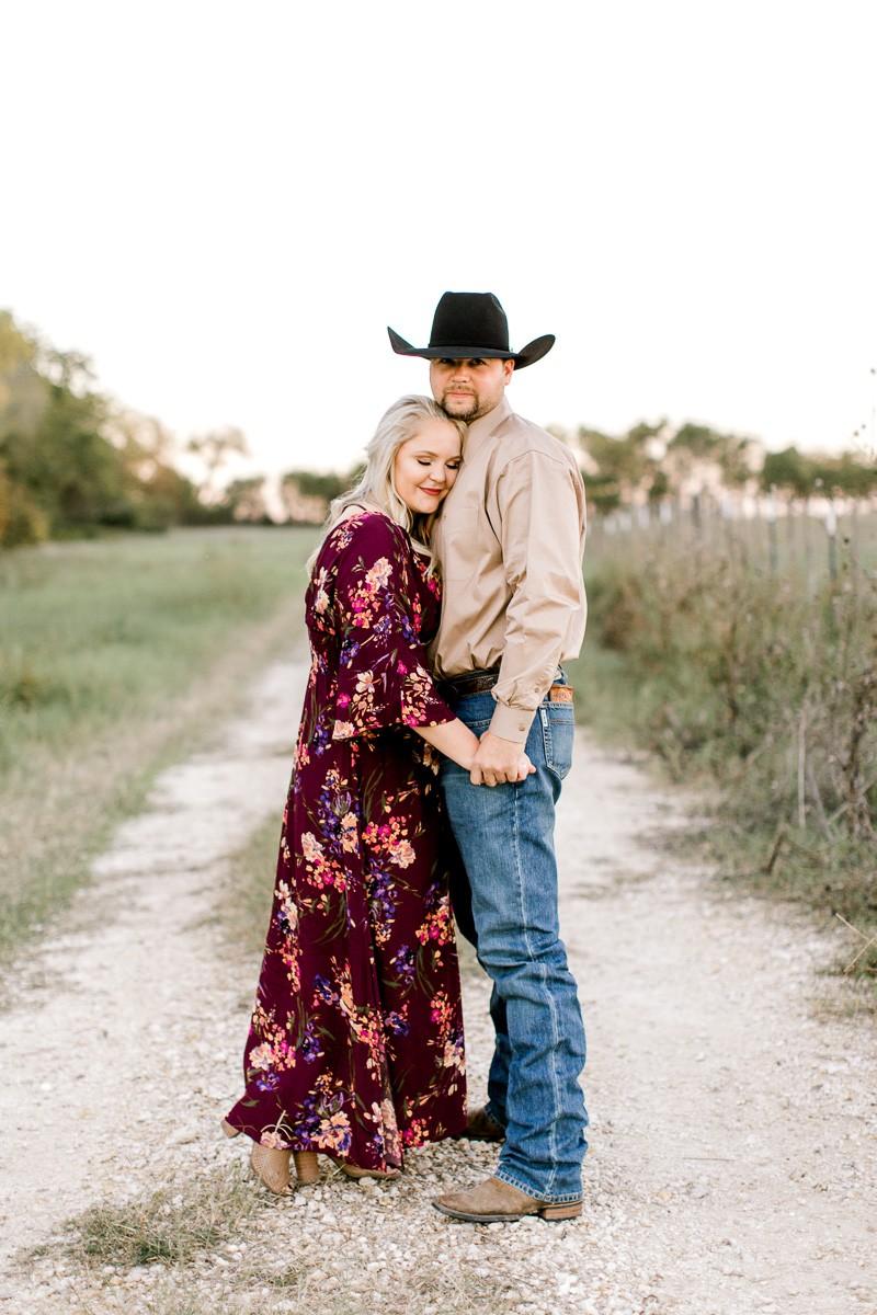 rural-engagement-photos-weatherford-texas-wedding-photographer-kaitlyn-bullard-27.jpg
