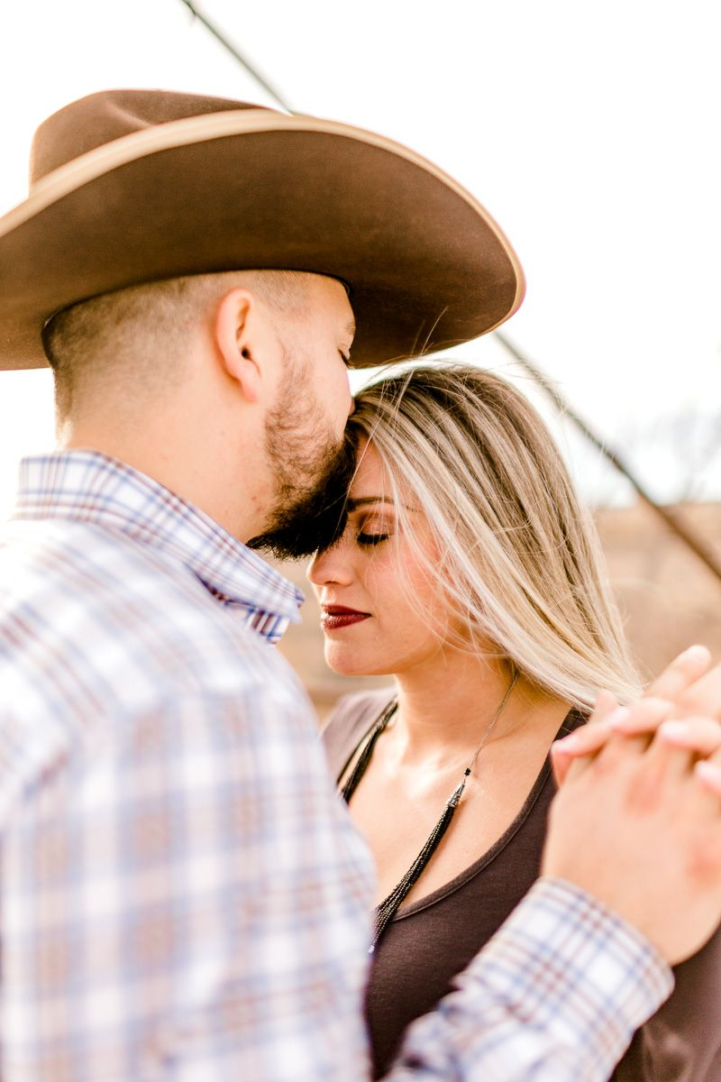 texas-panhandle-engagement-photographer-alissa-hartsfield-byron-hoover-9.jpg