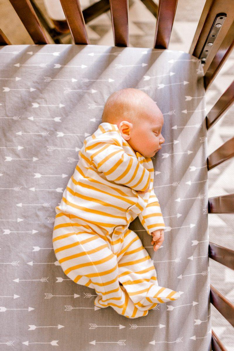 denton-newborn-photographer-brooks-lifestyle-newborn-4.jpg