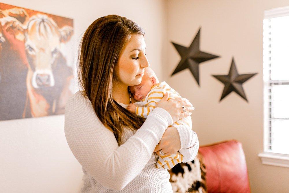 denton-newborn-photographer-brooks-lifestyle-newborn-13.jpg