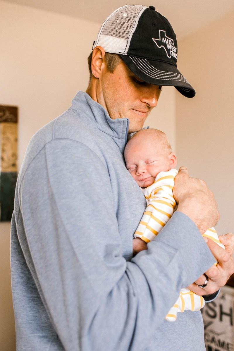 denton-newborn-photographer-brooks-lifestyle-newborn-17.jpg