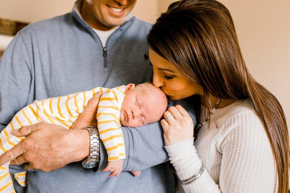 denton-newborn-photographer-brooks-lifestyle-newborn-20.jpg