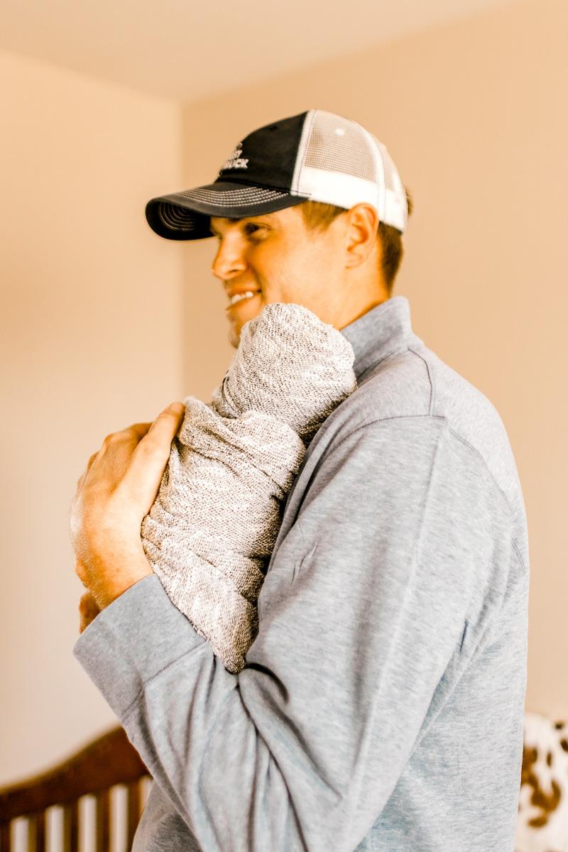 denton-newborn-photographer-brooks-lifestyle-newborn-26.jpg