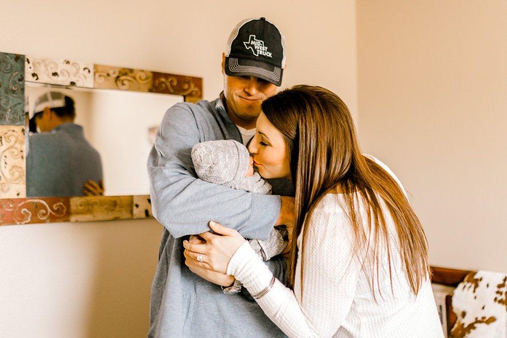 denton-newborn-photographer-brooks-lifestyle-newborn-28.jpg