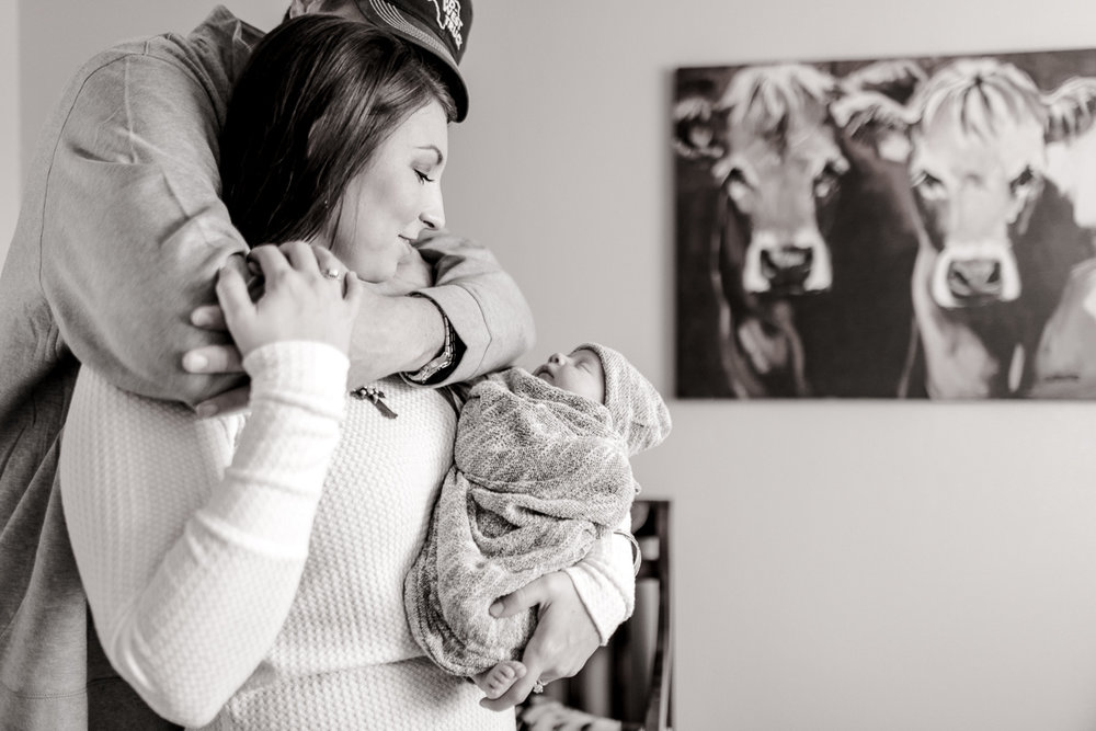 denton-newborn-photographer-brooks-lifestyle-newborn-30.jpg