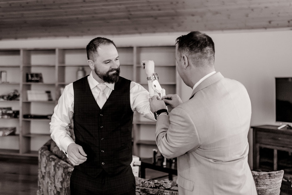a-b-breckenridge-wedding-sapphire-point-overlook-colorado-destination-wedding-photographer-7.jpg