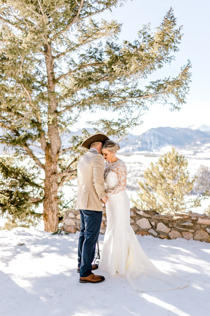 a-b-breckenridge-wedding-sapphire-point-overlook-colorado-destination-wedding-photographer-20.jpg