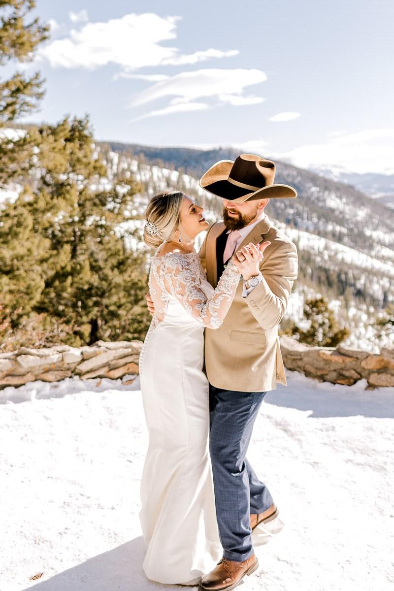 a-b-breckenridge-wedding-sapphire-point-overlook-colorado-destination-wedding-photographer-27.jpg
