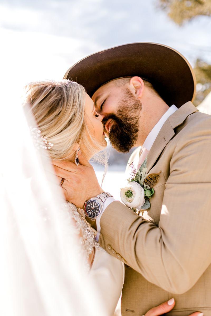 a-b-breckenridge-wedding-sapphire-point-overlook-colorado-destination-wedding-photographer-50.jpg