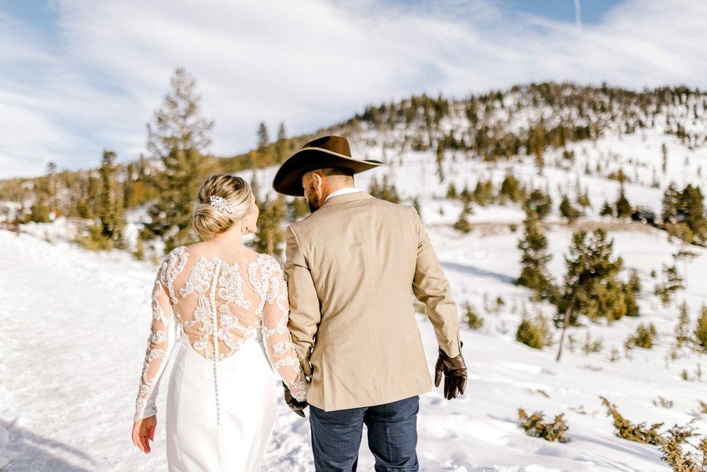 a-b-breckenridge-wedding-sapphire-point-overlook-colorado-destination-wedding-photographer-60.jpg