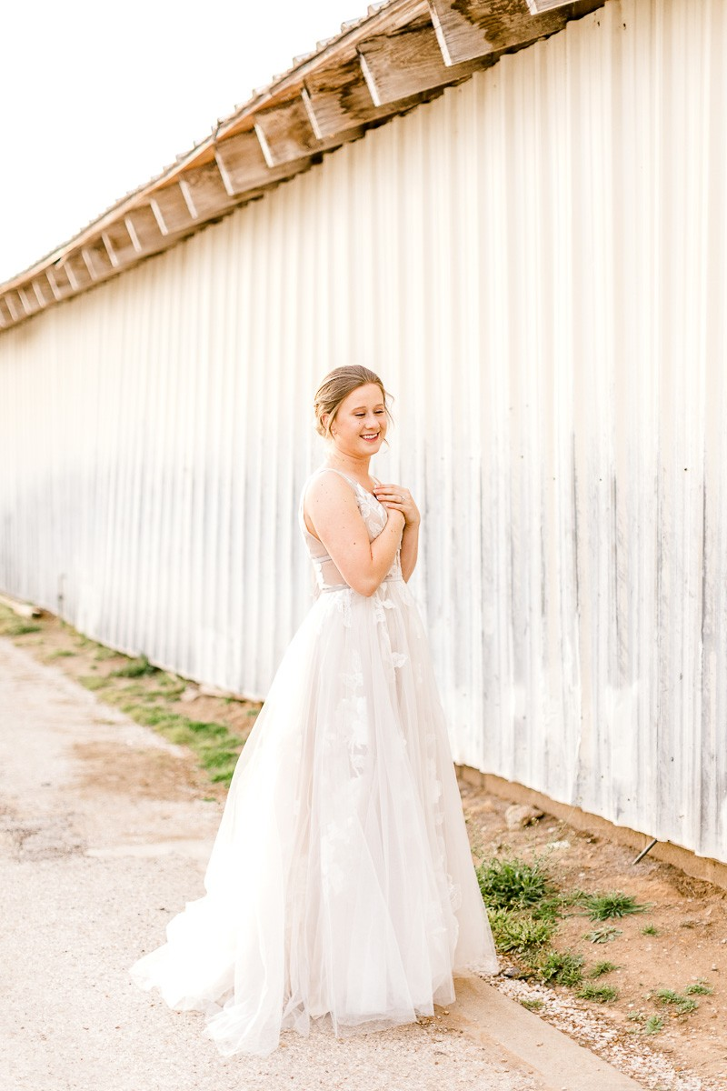 lauren-bridals-granbury-wedding-photographer-13.jpg