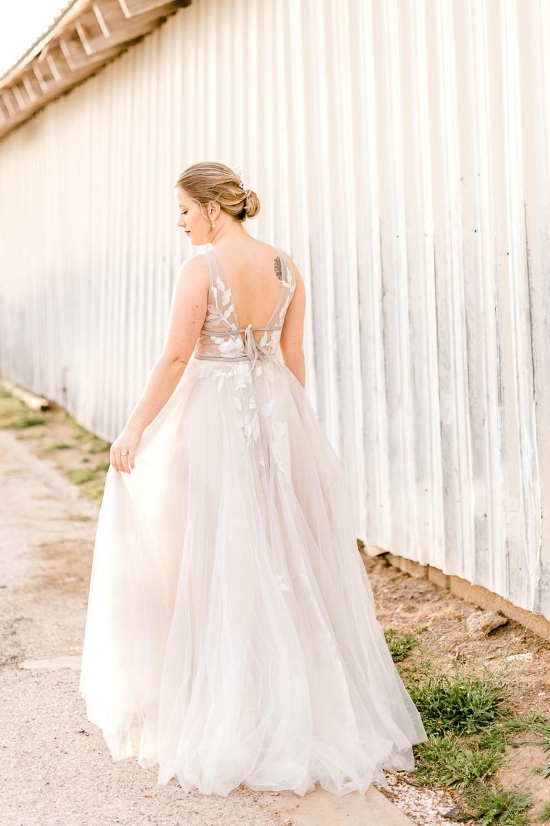 lauren-bridals-granbury-wedding-photographer-15.jpg
