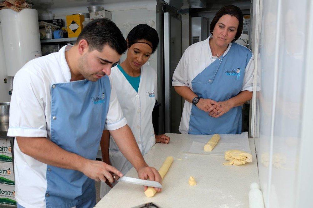 Ana Nogueira (R), Sheree M. Mitchell (C) with Chef João Batalha (L). Pastelaria Batalha Pasteis de Nata Workshop, Lisbon, Portugal. Photographer:    Paulo Petronilho