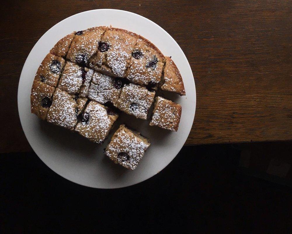 making3-blueberrycake.JPG