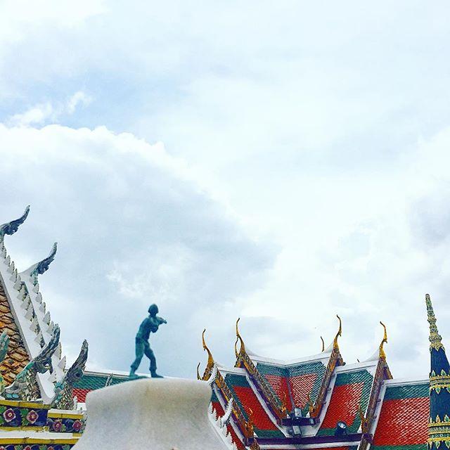 Making sure that everything is A OK at the Royal Grand Palace in Bang Kok. #QuaidsArmy #armyofgreenmen #SanTranTravels @emmaaalvarez #royalty #architecture