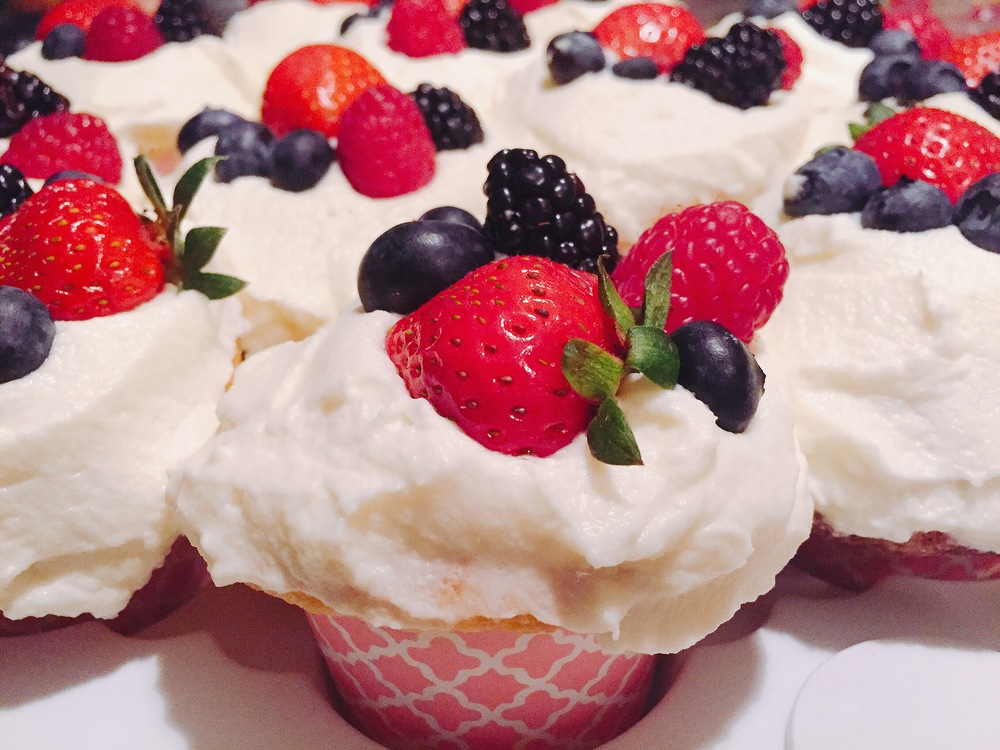 BERRY CHANTILLY CUPCAKES