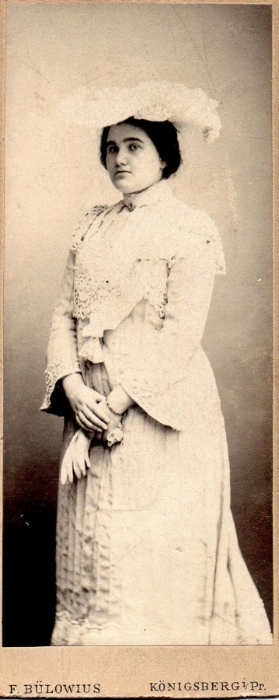 Ella aged 19 in her home town of Konigsberg 1903.