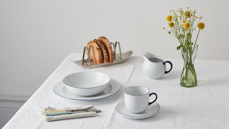 An Essential table setting for one with our Form 1382 range