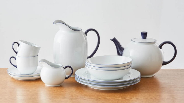 The Form 1382 tableware range- a design classic