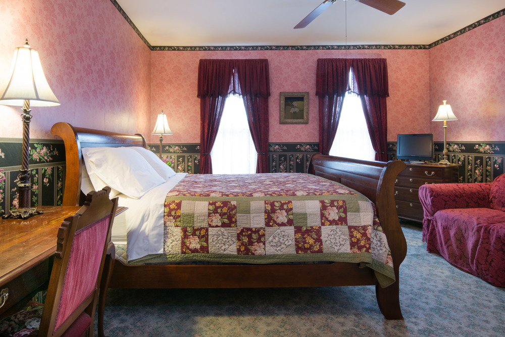 Harrison-House-Bed-and-Breakfast-Columbus-Ohio-Room-4-2