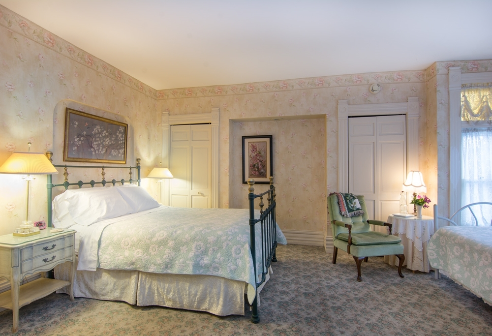 Harrison-House-Bed-and-Breakfast-Columbus-Ohio-Room-1-1
