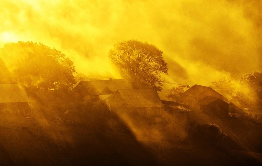 Lumini peste sat - Ionuț Olari ©