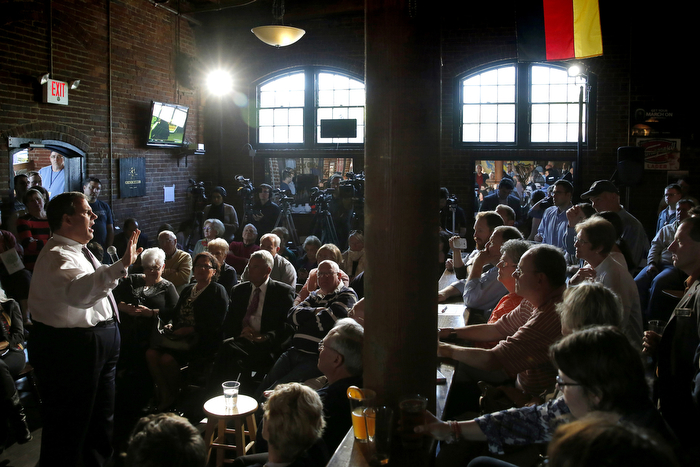 Christie Talking To A Full House - 