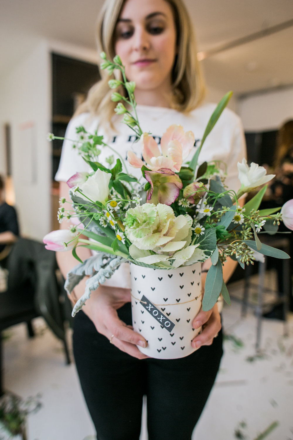 ©AlexisJuneWeddings_GalentinesFloralWorkshop-204.jpg