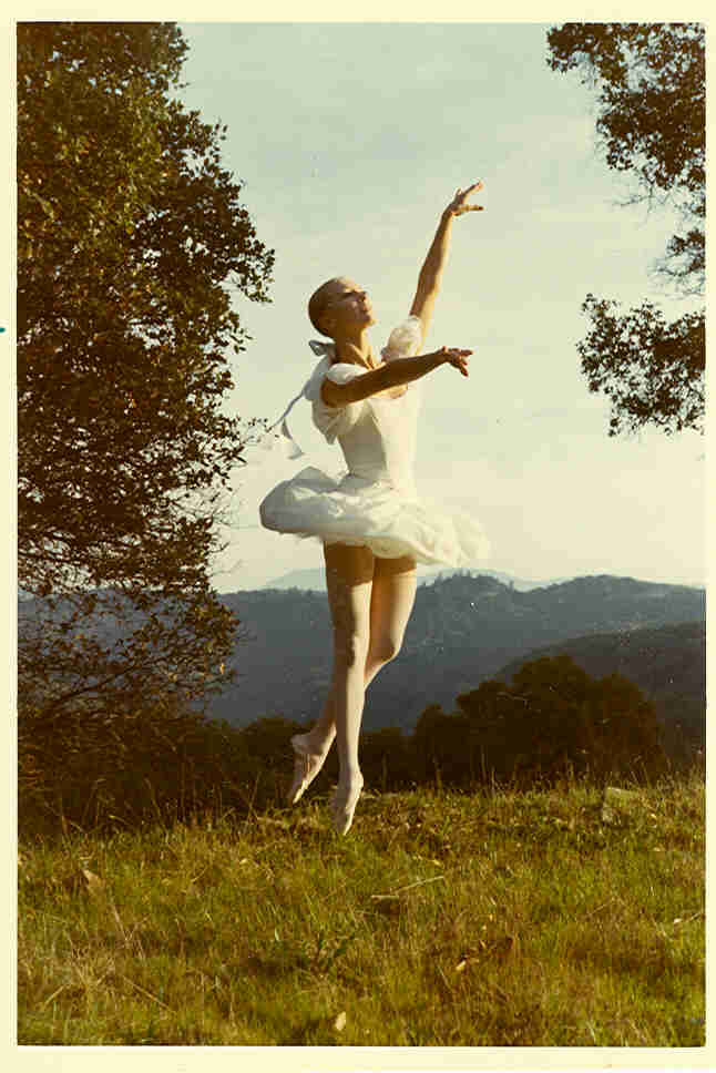 1969 SOILI POSING IN THE NATURE IN SAN FRANCISCO IN THE FIRST TUTU SHE EVER MADE!