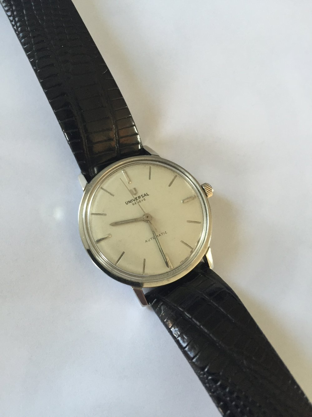 Photo from FS listing. My apologies to the seller, but this is just not even close to being an original dial.  To someone where that isn't important, this watch is down to $300 asking, click through for more info and to purchase.