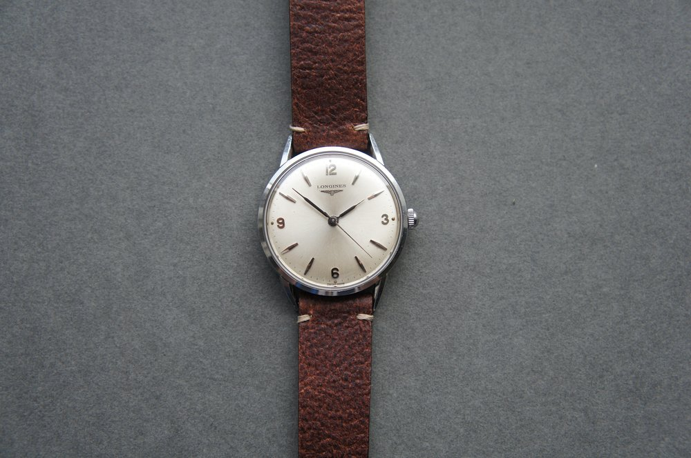 Such a clean dial and layout, and I love those funky hands.  Photo from FS listing, click through to purchase.