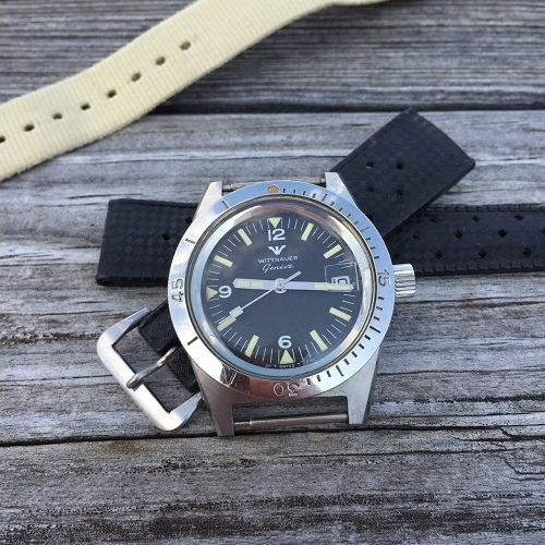 Everything looks completely original, correct, and very attractive on this watch. Photo from FS listing, click through for more info.