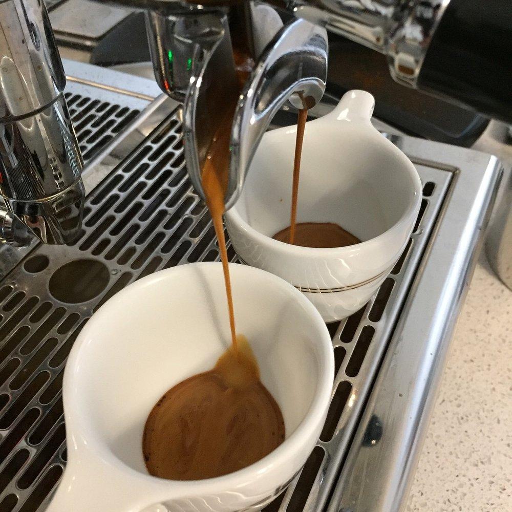 Crema Coffee Roasters Tres Banderas