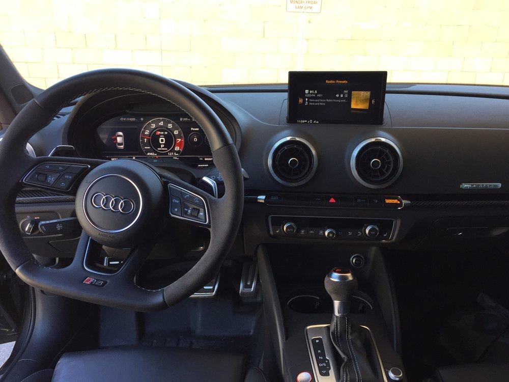 Audi RS3 Cockpit.JPG